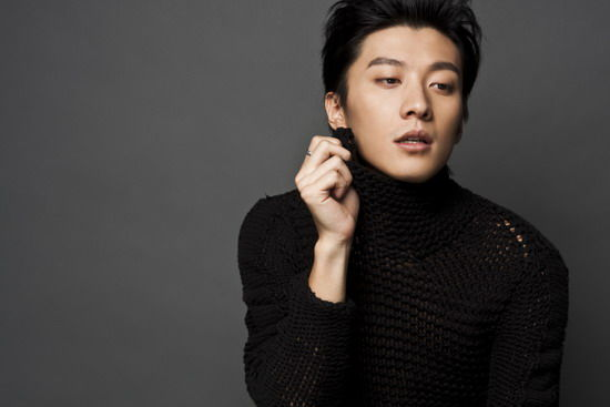 Kimi Qiao Renliang!! I was shocked and in tears for minutes after a friend shared the news about his death. I looked up other Chinese entertainment news site immediately.....I just couldn't believe it..... :( :(